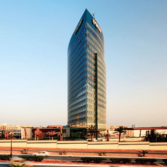 中国建筑首日跌破发行价